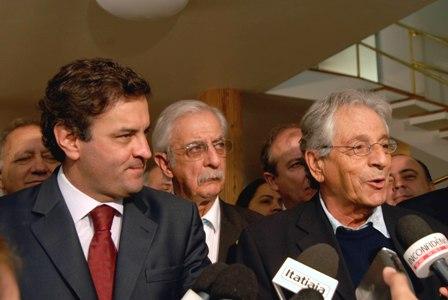 Aécio Neves e Gabeira em encontro com o PV nacional em Minas