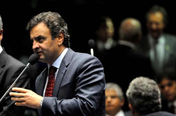 Aécio Neves: líder da oposição